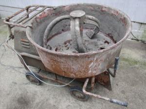 タライ型コンクリートミキサー